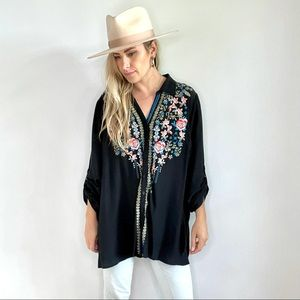Andree by Unit Blue Embroidered Button Down 1X